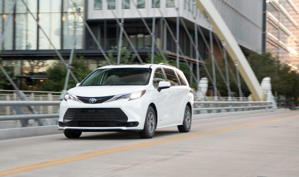 Toyota Sienna Hybrid 2021